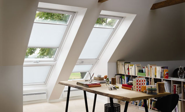 velux auenrollo elegant best velux dachfenster jalousien ersatzteile with velux dachfenster. Black Bedroom Furniture Sets. Home Design Ideas